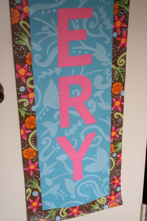 close up of avery banner