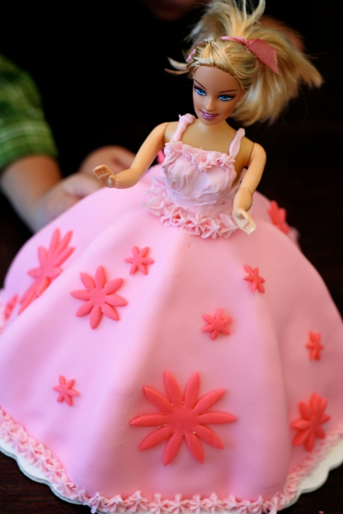 barbiecakeupper